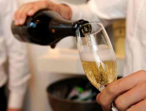 verre-vin-blanc-mousseu